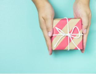 8 идей недорогих подарков на любой праздник